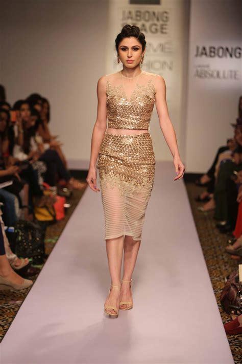 Kiara Top Fashion 1 ridhi mehra s a mirror affaire with kiara advani at lakme
