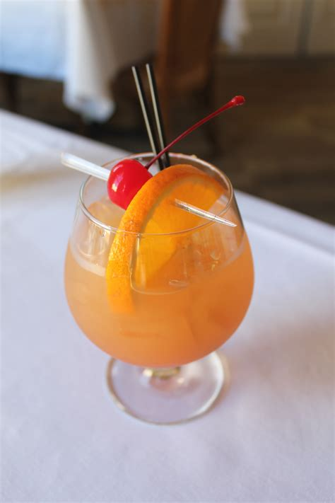 Planters Punch For A Crowd by Planters Punch For A Crowd Ktrdecor