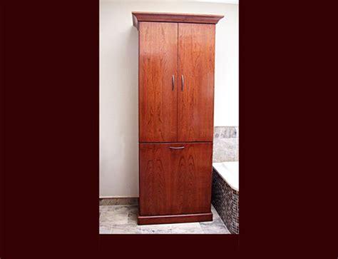 Beautiful Custom Bathroom Vanities Online #4: 08_mstrbath_vanity_dnly4.jpg