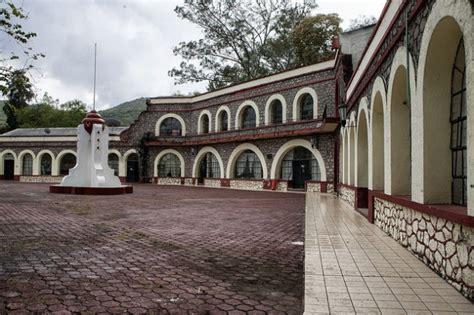 escuela normal rural de ayotzinapa wikipedia la coctel de violencia pol 237 tica pobreza y narco emerge en m 233 xico