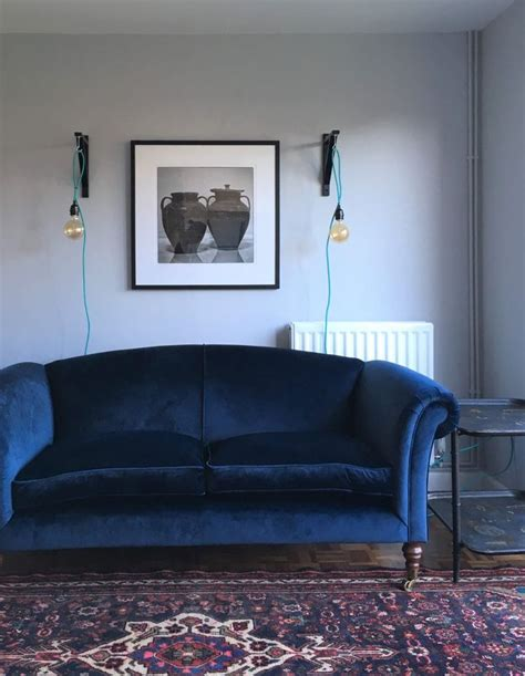 living room with blue sofa 25 best ideas about blue velvet sofa on pinterest blue