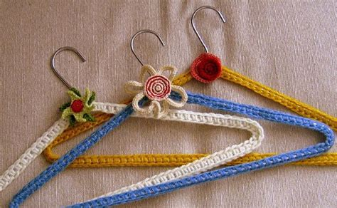 pattern for covering clothes hangers 79 best perchas a ganchillo images on pinterest hangers