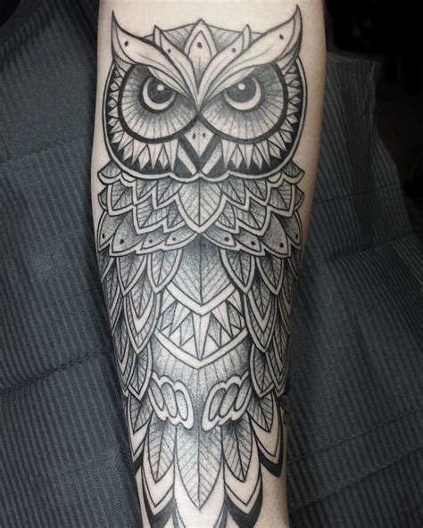 owl tattoo bad luck the 25 best geometric owl tattoo ideas on pinterest