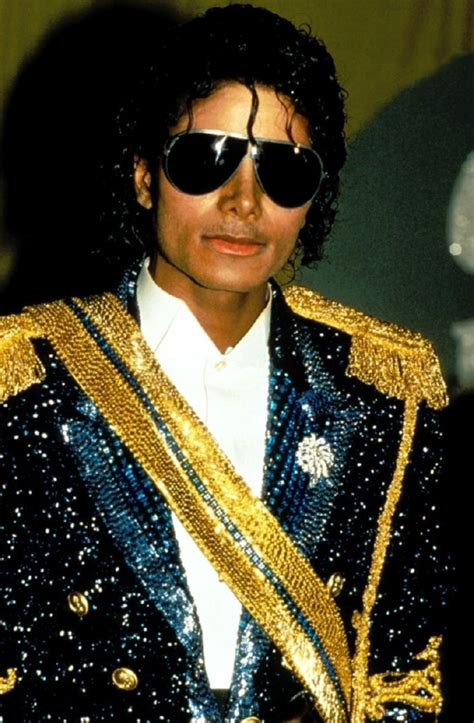 film dono jadi patung michael jackson foto michael jackson mulai populer pada tahun 1980 an
