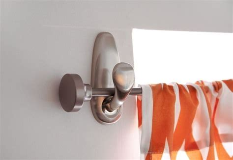 If You Need An Easy Way To Hang A Curtain Rod Use Command