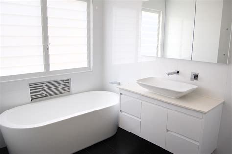 tips on how to create an affordable modern bathroom