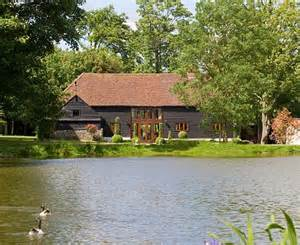 House Beautiful Cottage Living Magazine by Where The Stig Revs Up In Surrey Former F1 Driver Julian