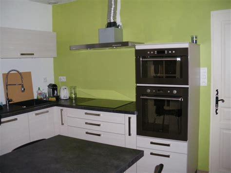 cuisine peinte en vert aide pour choix de couleur peinture des murs de cuisine