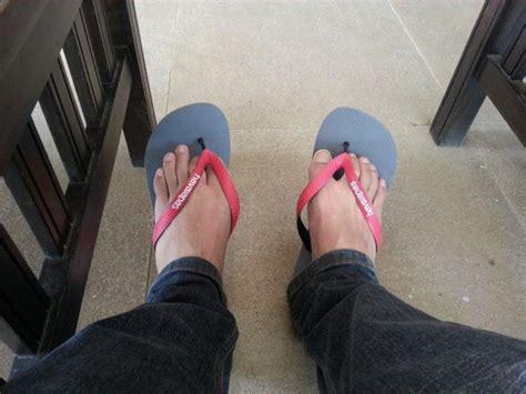 Sepatu Sendal Sandal Flat Shoes Shoe Poxing Abu Grey T1310 4 demi bisa memenangkan hati cewek idaman 9 gaya berpakaian