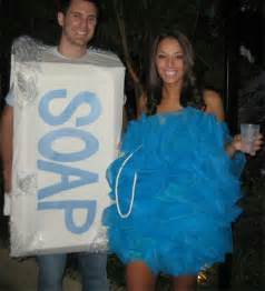 Halloween Costumes Ideas For Couples 31 Creative Diy Halloween Costumes Made For Couples Snappy Pixels