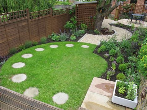 best 25 small square garden ideas ideas on pinterest how to design small garden space how to