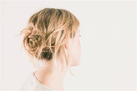 how to create messy hair with lots of volume tips for making a messy bun with short hair stylecaster