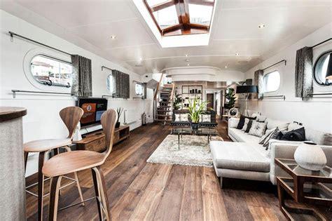 bespoke luxury floating penthouse  london idesignarch