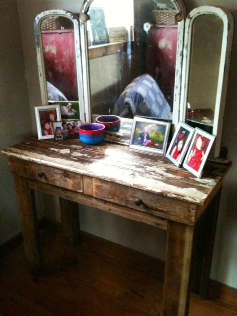 Handmade Makeup Vanity - makeup vanity made from recycled pallets bed frame
