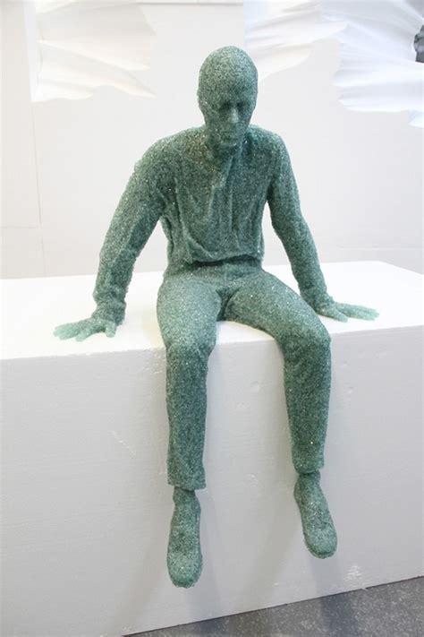 amazing sculptures amazing shattered glass sculptures photos gizmocrazed