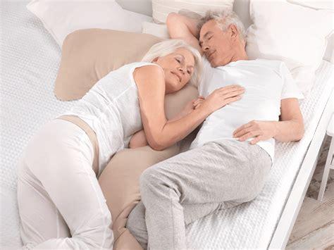 warum schlafen wir warum schlafen wir im alter weniger th 246 nig ag