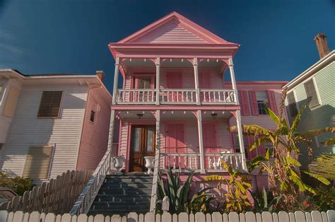 Galveston Houses by Photo 1136 17 Pink House At 1400 1498 Church Rear St In