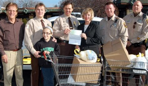 Cook County Food Pantry by Cook County Sheriff S Union Makes Donations