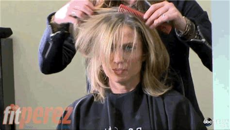 amy robach short hairstyle pic amy robach gets a tearful short haircut during chemo