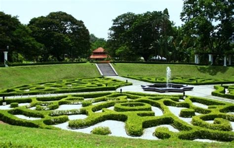 backyard kl 8 reasons why you should see the lake gardens in kuala lumpur
