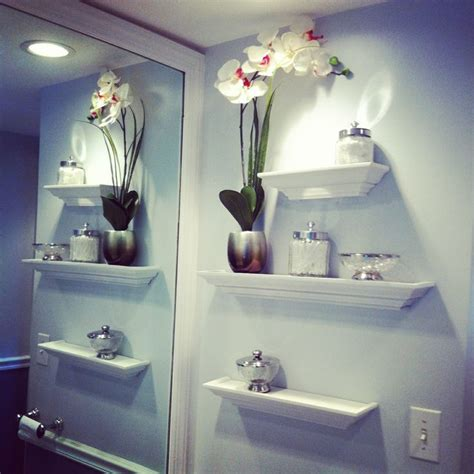 ideas to decorate bathroom walls 1000 ideas about floating shelves bathroom on