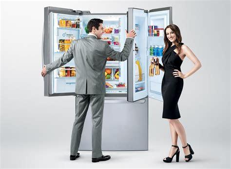 Lg Door In Door Fridge by Lg Opens To The Refrigerator Door To Doors Within Doors