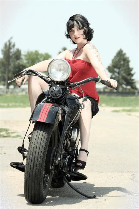 Motorrad Pin Up Tattoo pinup woman and motorcycle stock image image of pinup