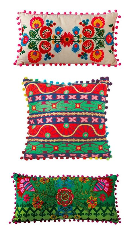 colorful pillow cases 1000 ideas about bohemian pillows on kilim