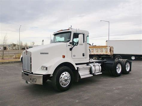 2010 kenworth truck 2010 kenworth t800 day cab semi truck for sale 195 000