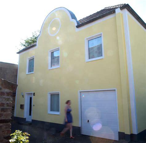 Haus Des Geldes by Gregor Schneider Baut Haus Um Eine Synagoge Welt