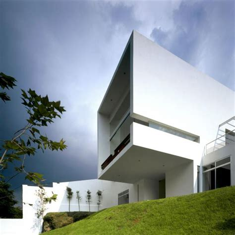 mexican architecture enveloped in a zen aura