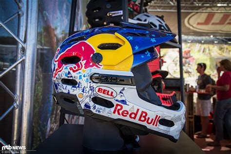 Helm Lackieren Red Bull by Foto F 252 R Die Red Bull Athletin Ist J 252 Ngst Der Bell Su