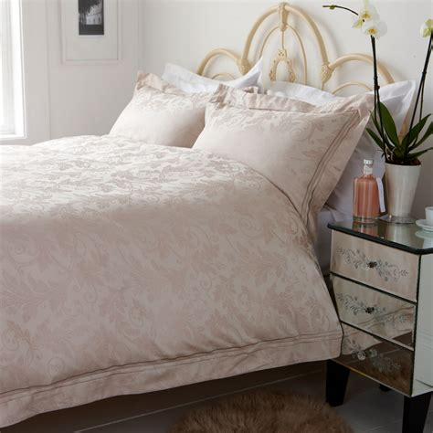 How To Wash Silk Bedding Sets
