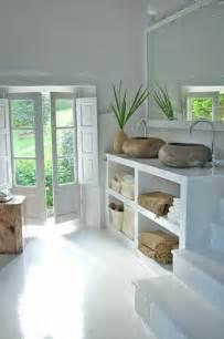 Formidable Idee Meuble Salle De Bain #1: 1-salle-de-bain-bambou-idees-salle-de-bain-zen-couleur-blanche-idee-deco-salle-de-bains.jpg
