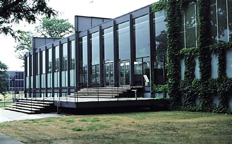 Illinois Institute Of Technology Design Mba by Easa Architecture Mies Der Rohe As A Design Inspiration