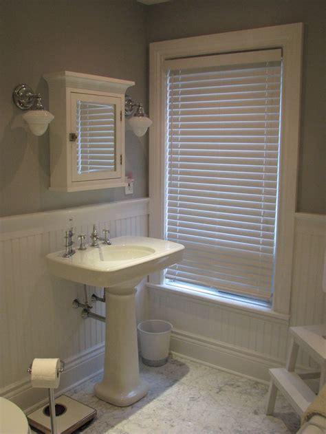 Bathroom Tile Vs Vinyl 1000 Ideas About Wainscoting In Bathroom On