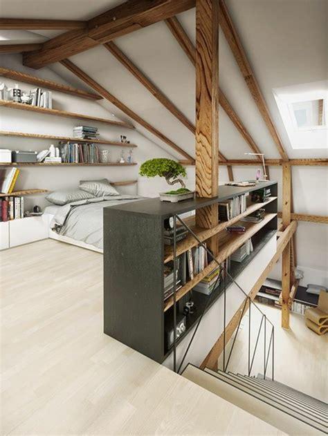 Awesome Chambre Gris Clair Et Blanc  #7: Suite-parentale-sous-comble-en-bois-clair-sol-en-parquet-clair-meubles-de-chambre-a-coucher.jpg