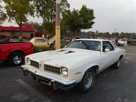 file 1973 white pontiac gto left front jpg wikimedia commons