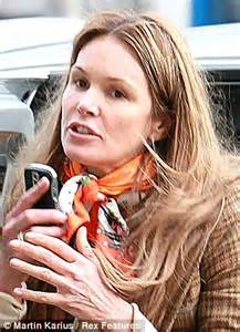 how to dress 47 year old woman as 47 year old brooke shields steps out make up free we