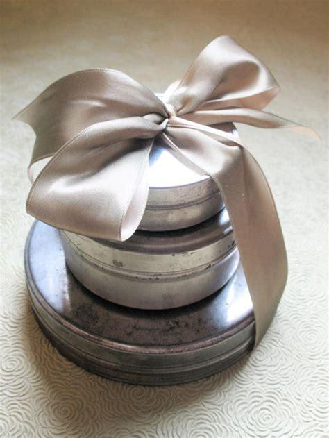 google images hgtv how to wrap ribon around christmas tree creative gift wrapping ideas hgtv