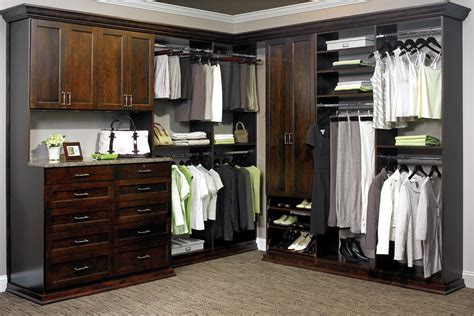 Custom Closets Nyc by New York Kitchen And Bath Remodeler Opens Closet Design Division Woodworking Network