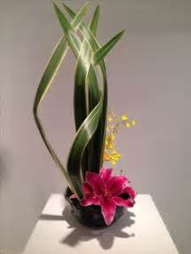 Ikebana Vases Flower Arrangements On Pinterest Corporate Flowers