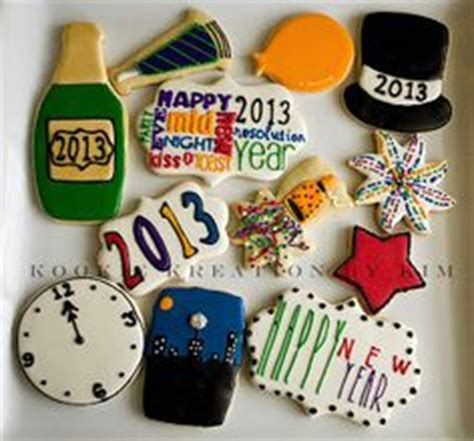 new year cookies decoration 1000 images about new years decorated cookies and cake