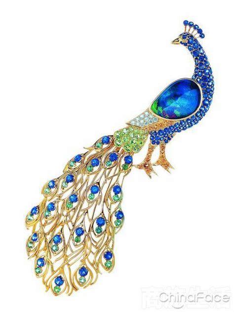Peacock Brooch peacock brooch look at the birdie