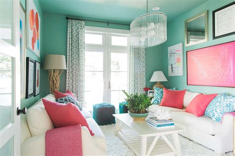 color a room get this look the coastal elegance of the hgtv dream home