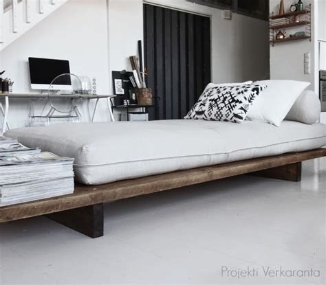 Diy Day Bed by 25 Best Ideas About Diy Daybed On Daybed