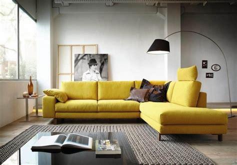 mitten im raum sofa mitten im raum