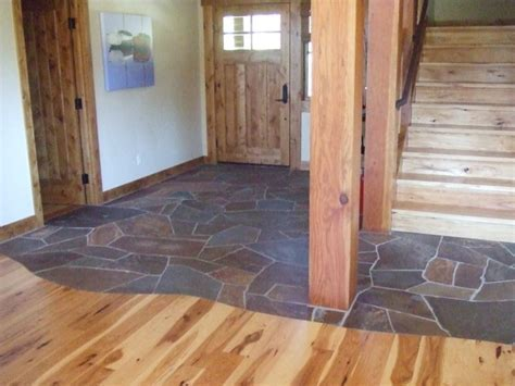 Lahontan L95, Foyer, two flooring materials, stone, wood