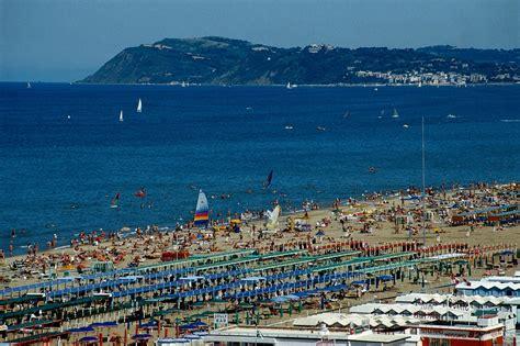 riccione vacanze vacanze low cost agosto 2015 migliori offerte last minute