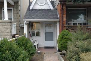 this is the smallest house in toronto